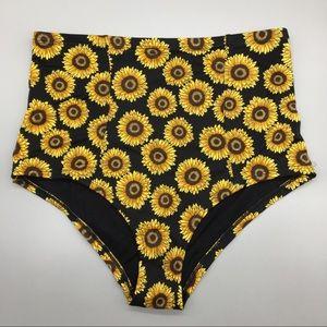 ⭐️ UO sun flower high waisted bikini bottoms